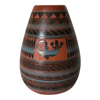 Navajo Style Etchware Pottery Vase, Signed For Sale