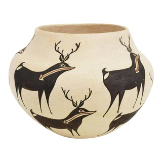 Rose Chino Garcia Heartline Deer Acoma Native American Pottery Jar For Sale