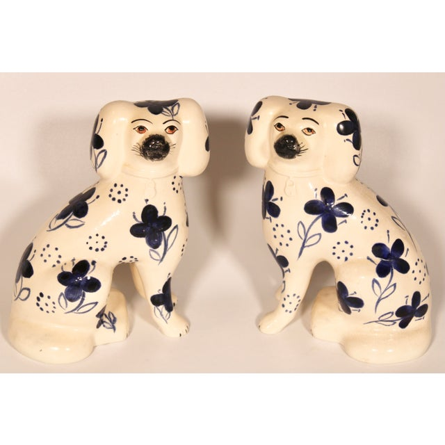 English Antique Blue and White Staffordshire Dogs - a Pair For Sale - Image 3 of 12