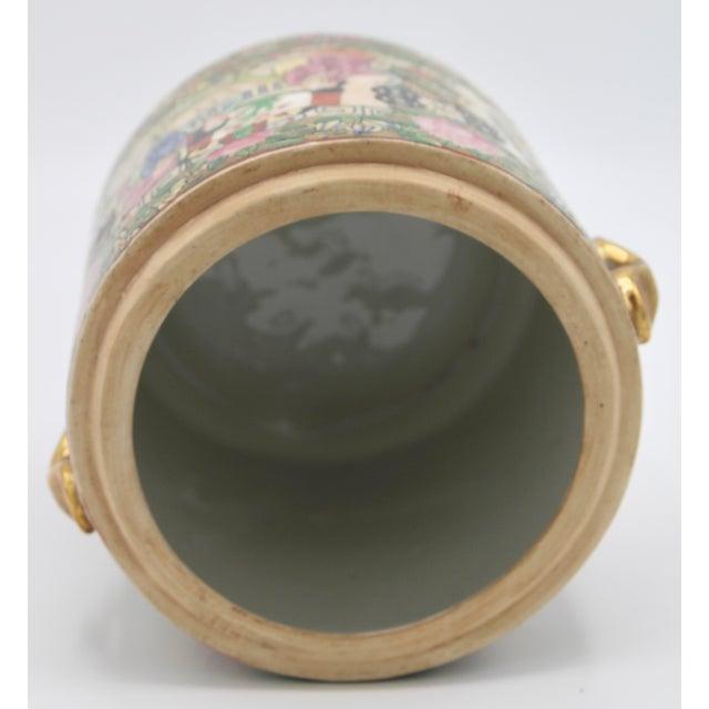 18th Century Chinese Rose Medallion Porcelain Lidded Jar For Sale - Image 10 of 12