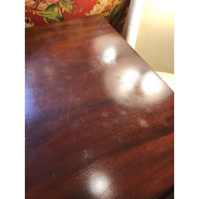 1900s British Colonial Mahogany Drop Leaf Table For Sale - Image 12 of 13