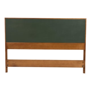 190s Mid-Century Modern Paul McCobb for Winchendon Planner Group Full Size Headboard For Sale