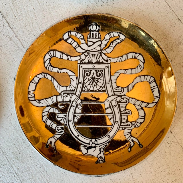"""Mid-Century Modern 1950s P. Fornasetti """"Musicalia"""" Brass Plates, Italy - Set of 8 For Sale - Image 3 of 8"""