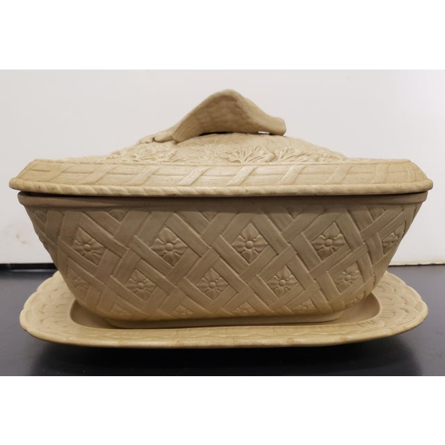Early 19th Century Early to Mid 19th Century English Wedgwood Caneware Game Pie Dish With Underplate - 2 Pieces For Sale - Image 5 of 13