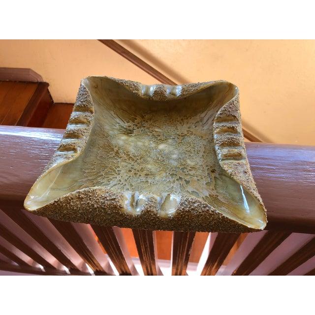 "Rose Rose ""Ro"" Shep Art California Pottery Seal Beach Ashtray For Sale - Image 8 of 8"
