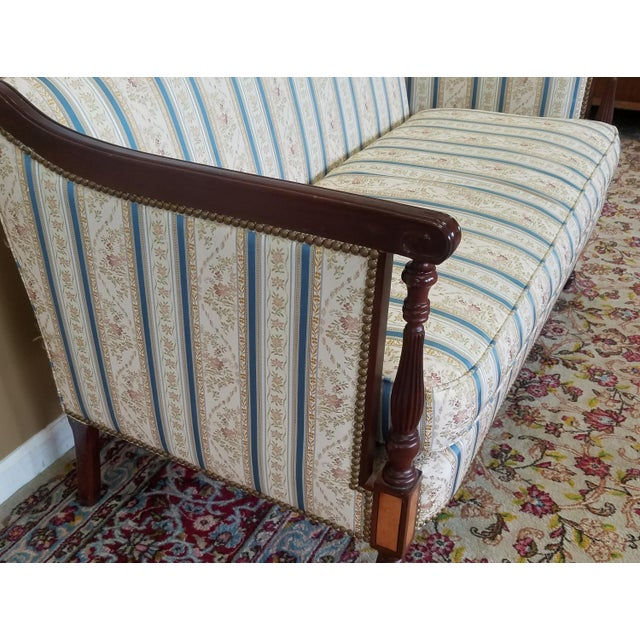 Fantastic Hickory Chair Company James River Collection Sheraton Mahogany Loveseat For Sale - Image 5 of 9