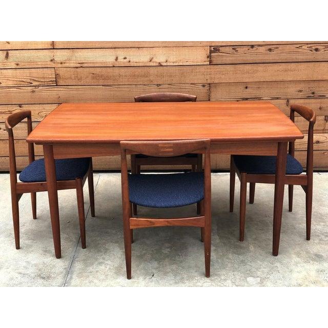 Teak Danish Expandable Draw-Leaf Table & Vamo Sønderborg Chairs - Set of 5 For Sale - Image 7 of 10