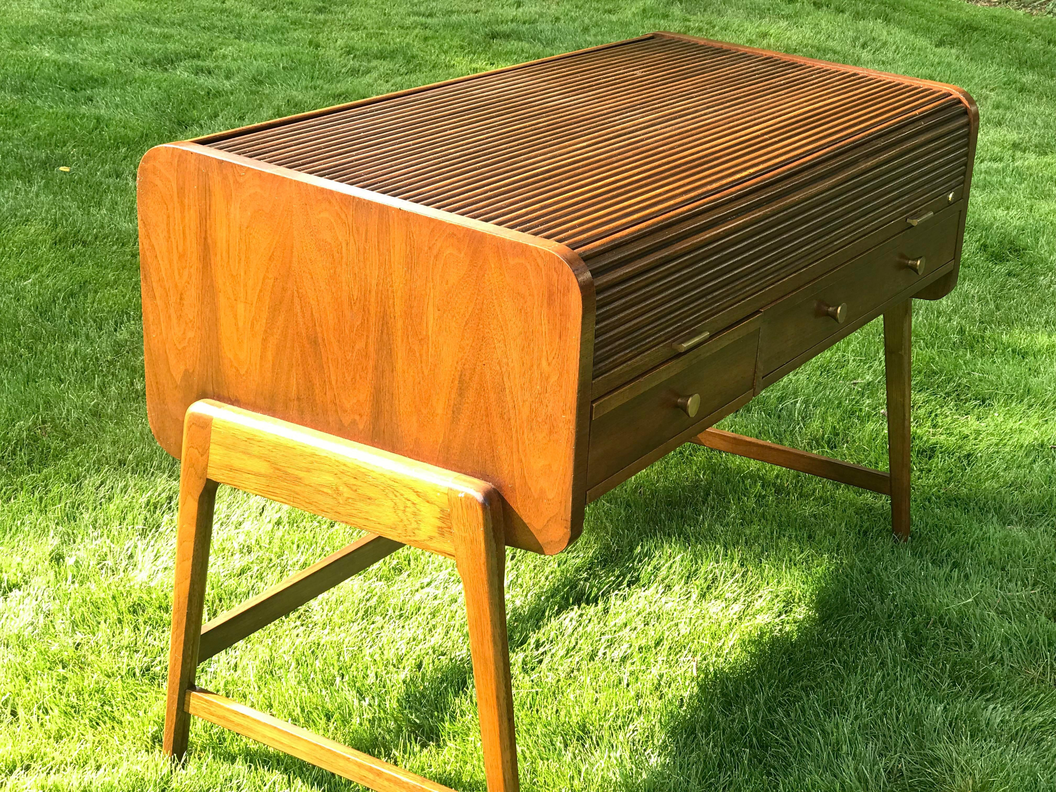 Sligh Lowry Furniture Co. 1960s Mid Century Modern Sligh Lowry Furniture  Tambour Roll