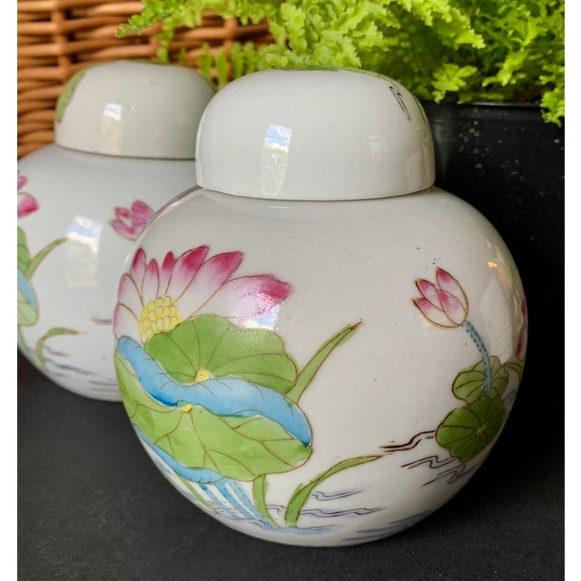 Late 20th Century Vintage Chinoiserie Lidded Jars - a Pair For Sale - Image 5 of 11