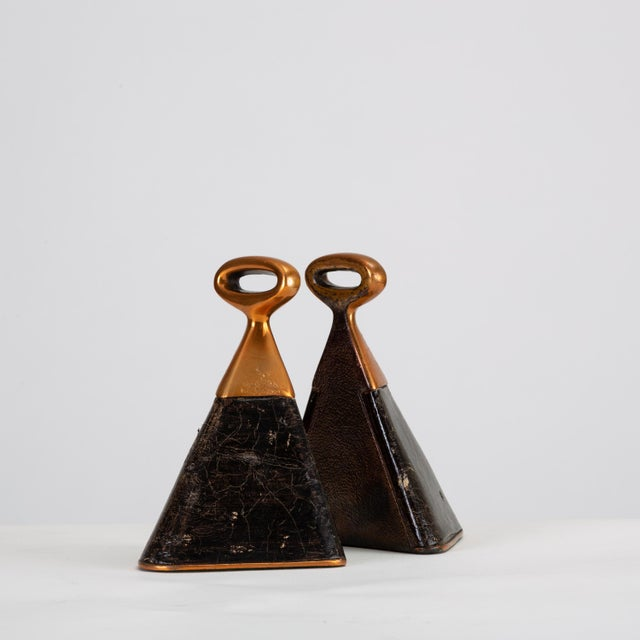 Jenfred Ware Pair of Copper and Leather Bookends by Ben Seibel for Raymor For Sale - Image 4 of 10