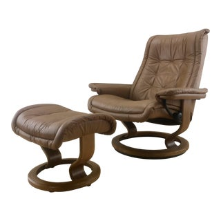 "20th Century Vintage Ekornes Scandinavian ""Stressless"" Recliner Lounge & Ottoman - 2 Pieces For Sale"