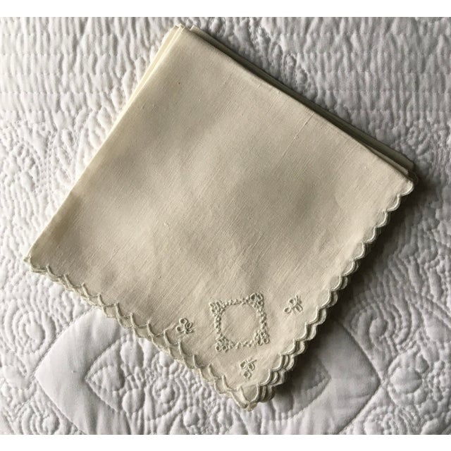 English 1970s Embroidered Linen Napkins - Set of 10 For Sale - Image 3 of 4