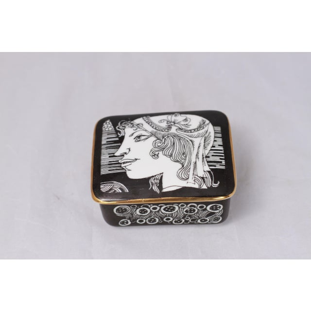 Vintage Black and White Hollohaza Hungarian Covered Box - Image 5 of 9