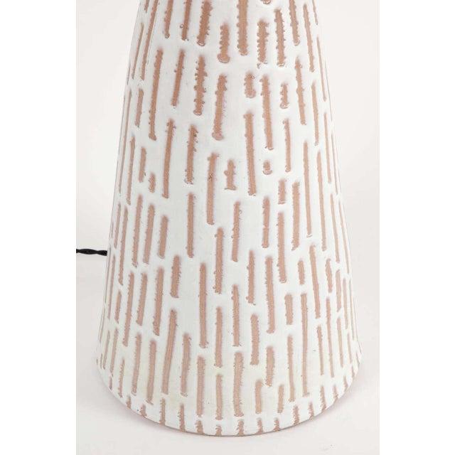 Mid-Century Modern Raymor Italian Ceramic Table Lamp For Sale - Image 3 of 8