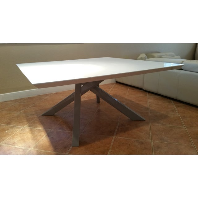 Contemporary White Lacquered Dining Table - Image 8 of 9