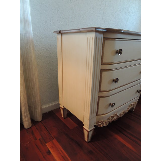 Pair of Neoclassical Style Natural and Gold Leaf Detail Nightstands For Sale - Image 4 of 10