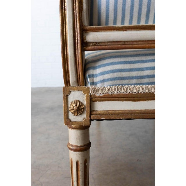 French Louis XVI Style Painted Window Bench Banquette For Sale - Image 10 of 13