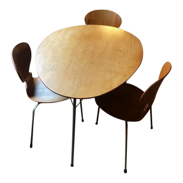 Arne Jacobsen Egg Table With Ant Chairs Set For Sale