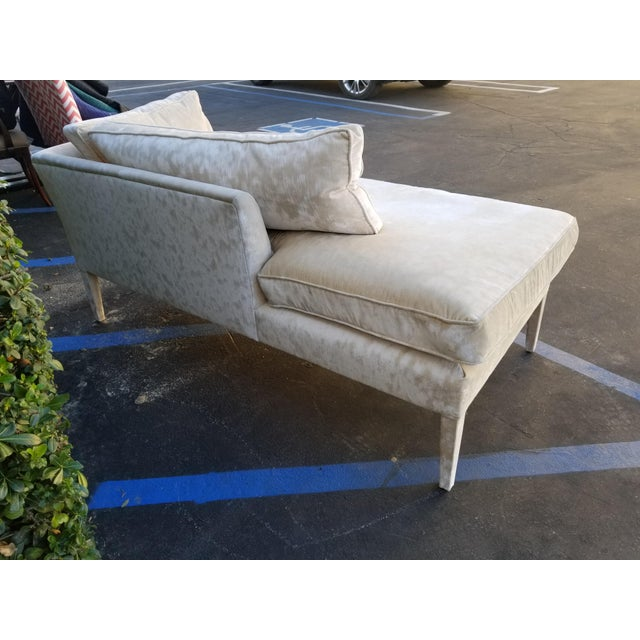 2010s Custom Cream Textured Velvet Chaise With Fabric Covered Legs For Sale - Image 5 of 10