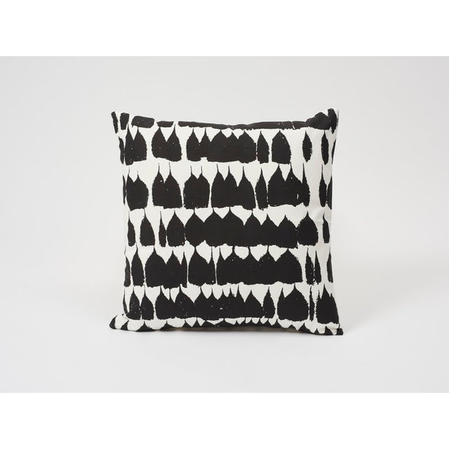 2010s Schumacher Double-Sided Pillow in Queen of Spain Print For Sale - Image 5 of 9