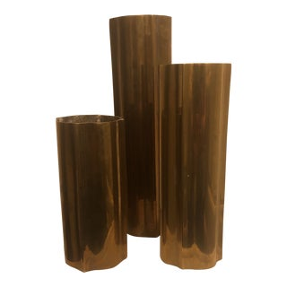 Mid-Century Modern Hollywood Regency Brass Scalloped Vases - Set of 3 For Sale