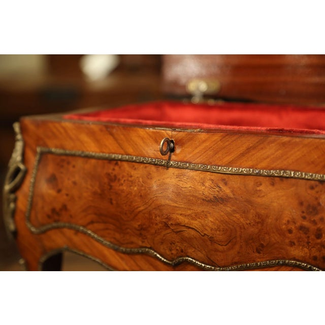 Metal 19th Century French Louis XV Bombe Walnut and Burl Jewelry Box With Bronze Mount For Sale - Image 7 of 13