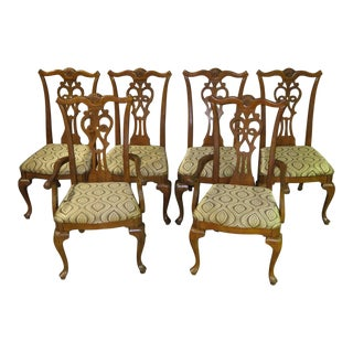 1970s Vintage Universal Traditional Style Queen Anne Chairs- Set of 6 For Sale