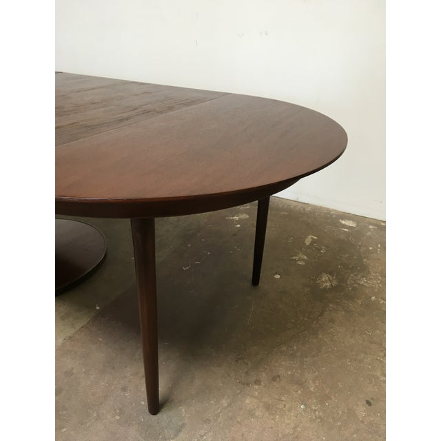 T.H. Robsjohn-Gibbings Expandable Round Mahogany Dining Table For Sale - Image 11 of 13
