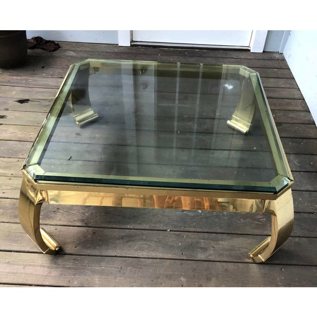 Great vintage piece. Features nice removable glass top.