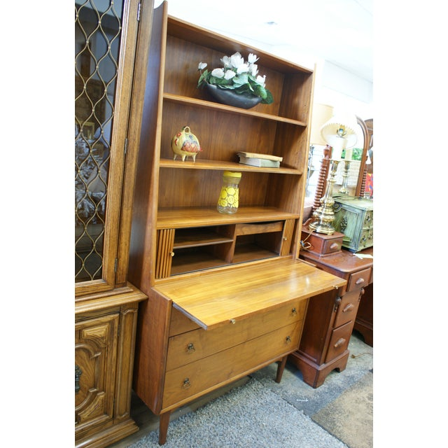 Brown 1950s Drexel Brand Mid-Century Modern Walnut Secretary Hutch For Sale - Image 8 of 13