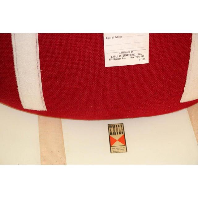 Four Knoll Eero Saarinen Swivel Tulip Chairs For Sale - Image 10 of 12