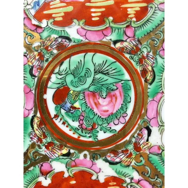 1930s Vintage Hand-Painted Chinese Decorative Plate For Sale In Boston - Image 6 of 9