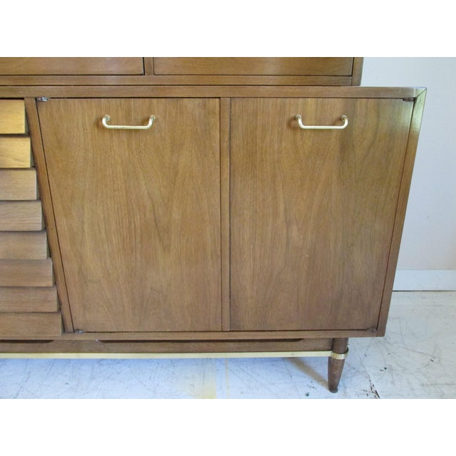Mid-Century Modern China Cabinet by American of Martinsville - Image 8 of 11
