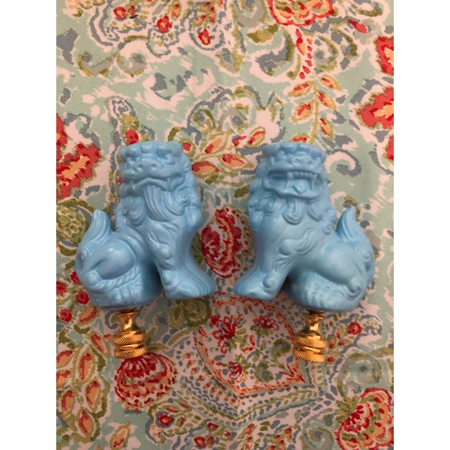 2010s Chinoiserie Light Blue Foo Dogs Foo Lions Lamp Finials - a Pair For Sale - Image 5 of 5