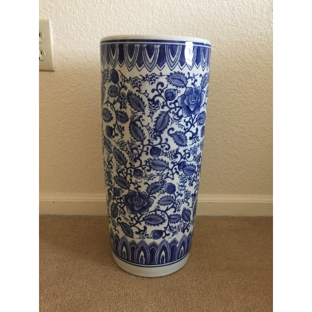 Ceramic Asian Blue and White Porcelain Umbrella Stand For Sale - Image 7 of 7