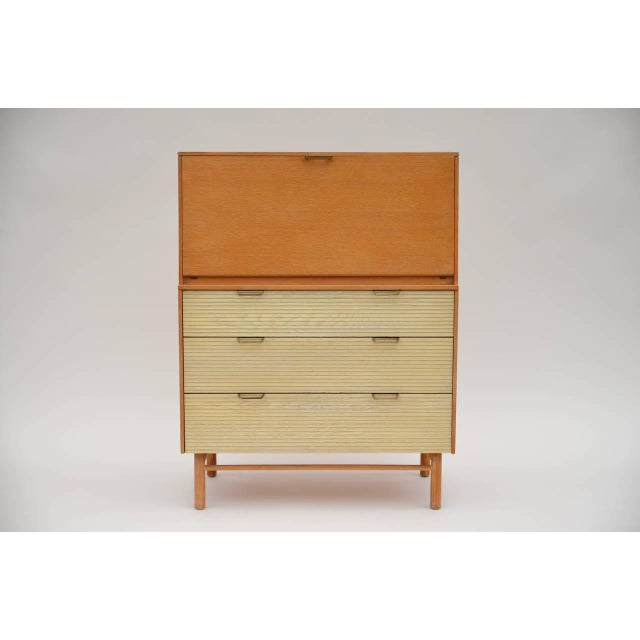 Brown Pristine Mid-Century Secretary Cabinet by Raymond Loewy for Mengel For Sale - Image 8 of 8