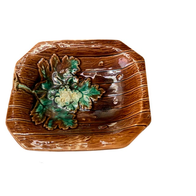 French Country Majolica French Porcelain Catchall Dish For Sale - Image 3 of 5