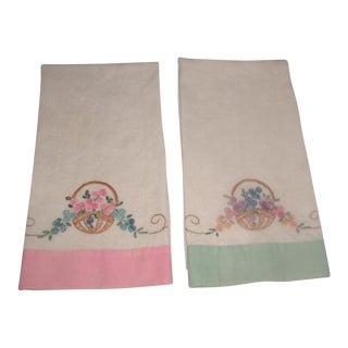 1950's Linen Hand Embroidered Hand Towels - A Pair