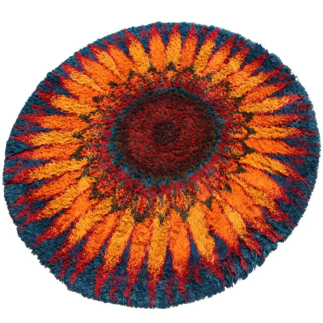 Mid-Century Modern Mid-Century Modern Large Starburst Flower Circular Shag Rug Rya Style, 1970s For Sale - Image 3 of 3