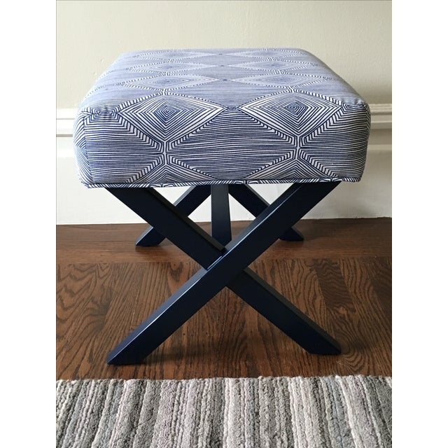Navy & White X-Leg Bench - Image 3 of 5