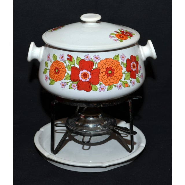 Floral Design Stoneware Chafing Dish For Sale - Image 4 of 4