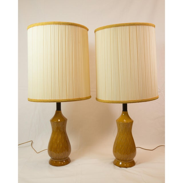Mid-Century Modern Barrel Shade Ceramic Table Lamps- A Pair - Image 2 of 6