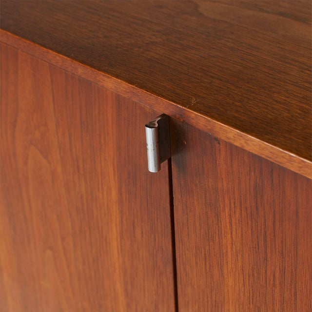Brown Credenza Model #541 by Florence Knoll For Sale - Image 8 of 11