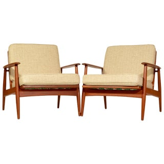Pair of Danish Modern Lounge Chairs Attributed to Grete Jalk for Moreddi For Sale