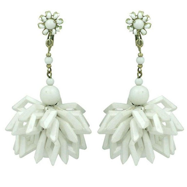 1960s Miriam Haskell Summer White Earrings For Sale - Image 5 of 5