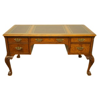 20th Century Chippendale Hekman Grand Rapids Oak Writing Desk With Tooled Leather Top For Sale