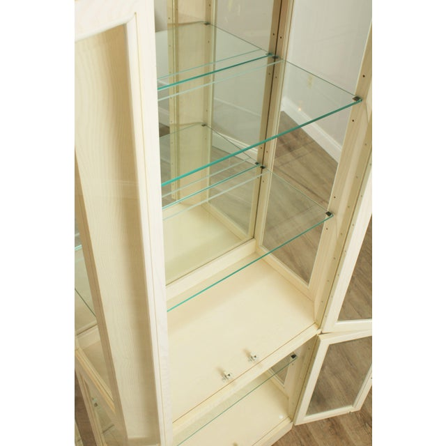 American Of Martinsville Modern Pair Lighted Curio Display Cabinets For Sale - Image 9 of 13