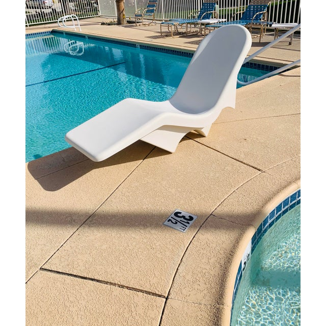 Mid-Century Fibrella Fiberglass Pool Sun Chaise Lounge by Le Barron For Sale - Image 11 of 12