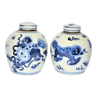 Chinoiserie Ginger Jars With Lions - a Pair For Sale