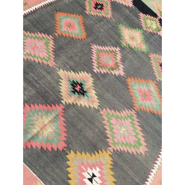 """Textile 1960s Vintage Turkish Kilim Rug-5'5'x8'5"""" For Sale - Image 7 of 9"""